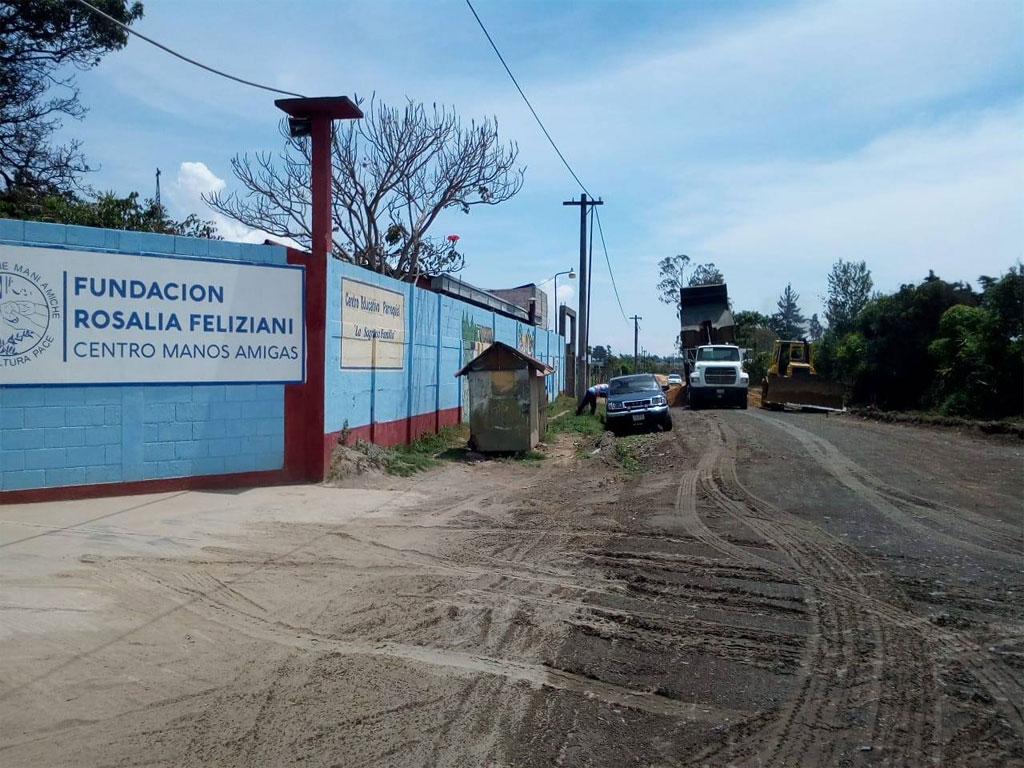 Roads to Mani Amiche