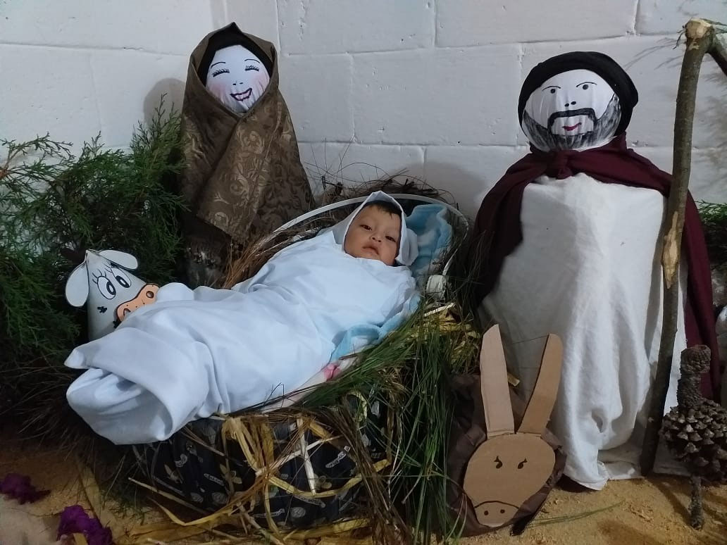 nativity scene manos amigas guatemala