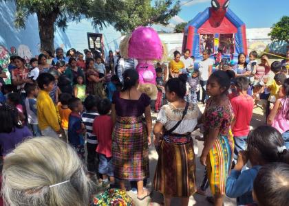Piñatas for all!!