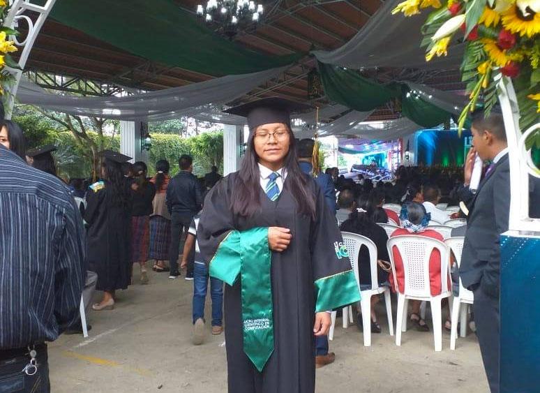 Manos Amigas Guatemala students graduation